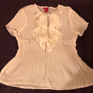 White crinkly top w/ruffles size Lg NWOT